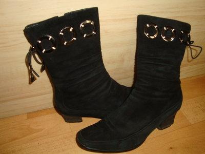 Зимние,замшевые ботинки,сапожки 37 р.