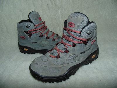 Трекинговые ботинки Lowa 35 р,ст 22,5 см.Мега выбор обуви и одежды