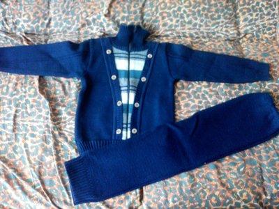Теплый вязаный костюм на малыша 3-4 лет