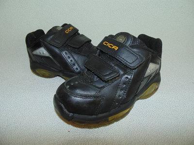 мигаютКроссовки Clarks 8G 26 ,ст 16,5см.Мега выбор обуви и одежды