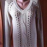 Красивый бежевый джемпер свитер с ажурной вязкой