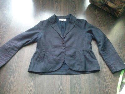 черный льняной пиджак с баской