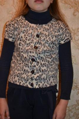 Продано: жилетка для девочки