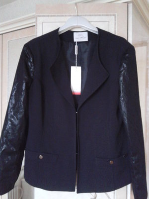 Пиджак с красивыми рукавами р.54-56 liza kott италия