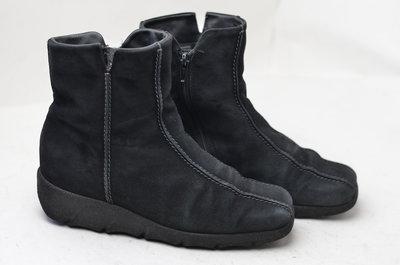 Замшевые утепленные ботинки ecco р.37