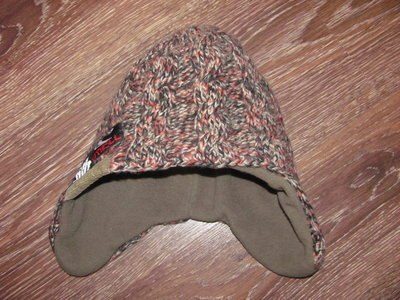 Зимняя шапка на 2-4 года
