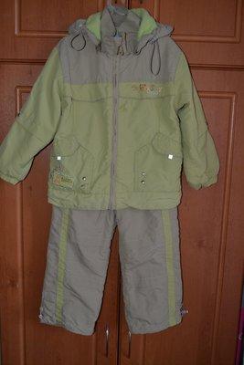 Демисезонный костюм, комплект на 2-3,5 года.