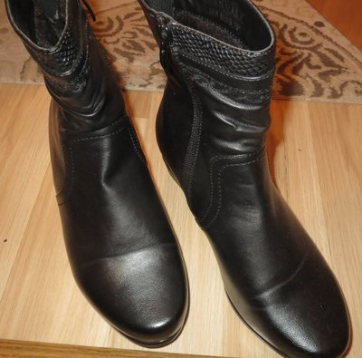 Ботинки женские 39р.