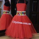 нарядное детское платье с вышитым поясом