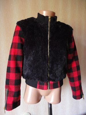 Красивая демисезонная куртка ветровка 7-8 лет