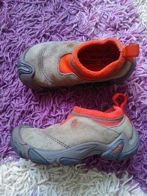 фирменные замшевые ботиночки для мальчика р. 25