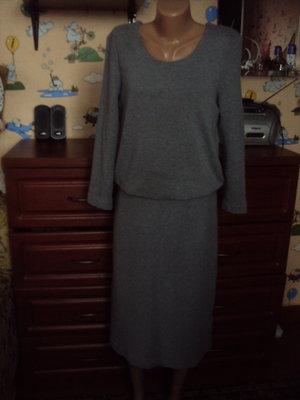 Somewhere качественное демисезонное платье миди длины 40р.