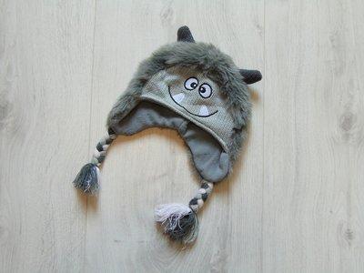 Стильная тёплая шапка для мальчика. Mothercare. Размер 6-12 месяцев. Состояние новой вещи.