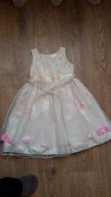 платье нарядное , в 3-5 лет р 104