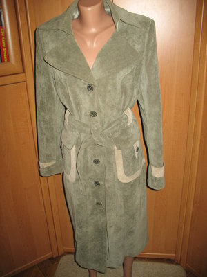 Плащ пальто демисезонное на женщину 48-50 р.