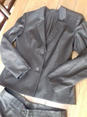 брючный костюм, состояние идеальное Замеры брюки пот 45 см, поб 55 см, длина 105 см, длина по вн.