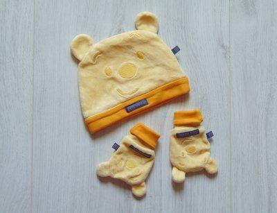 Стильный велюровый комплект для модника шапочка рукавички. Disney. Размер 1-2 месяца