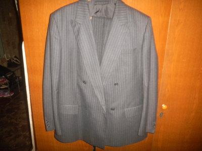 новый шерстяной костюм на мужчину р 48-52