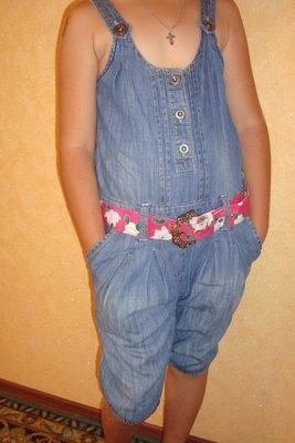 Комбинезон джинсовый на 6-8 лет