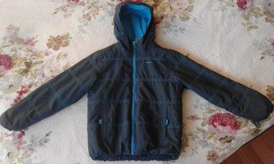 Куртка деми Quechua. Рост 125-132. Синтепон Флис. Отличное состояние