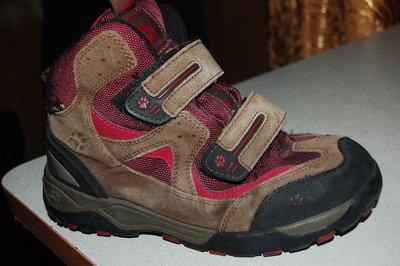 деми ботинки jack wolfskin 37 размер на девочку