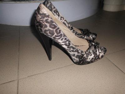 открытые туфли 41 р