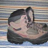 Сапоги ботинки Lowa Словакия 37-38 размер по стельке 24,5 см. Кожаные, Зимние . В идеальном состояни