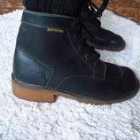 Фирменные кожаные ботинки на осень-весну