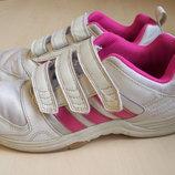 Продам кроссовки на модницу