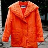 Куртка женская из натурального шёлка на синтепоне,размер М на 48-52 ,морковный цвет,новая