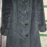Зимнее женское пальто в отличном состоянии.