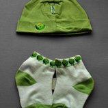 Носочки и шапочка для новорожденных