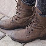 Удобные,стильные ботиночки на низком ходу.Раз 38