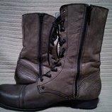 Высокие модные кожаные фирменные ботинки Sacha. Голландия. 41 р.