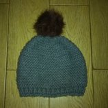 Зимняя шапочка с бубоном,