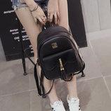 Городской рюкзак для модных девушек с кисточками В Наличии