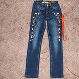 Акция Стильные джинсы для девочек