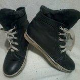 Стильные ботиночки удлиненные на шнурках, черного цвета. Возможен обмен.