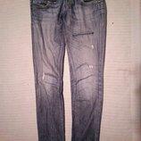 Фирменные темно-голубые джинсы с выбеленностями и потертостями G-Star