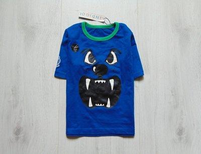 Новая яркая футболка для мальчика. M&S. Размер 6-7 лет