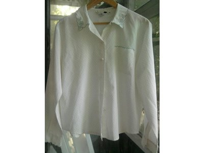 Блузка новая очень нежная с вышивкой размер 16