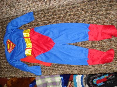 Продано: Костюм супермена на 4-5 лет