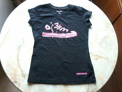 Футболка на девочку фирмы Converse возраст 8-10 лет размер 128-140