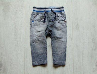 Стильные джинсы для мальчика. Внутри на котоновой подкладке. Next. Размер 9-12 месяцев