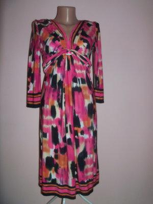 Платье фирмы Wallis р. S