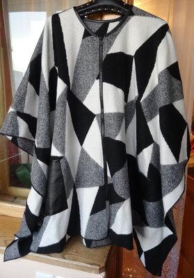 Снизила цену классное пончо- пальто 18 размера L- XL - XXL