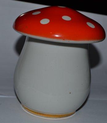 шкатулка сувенир гриб фарфор Коростень винтаж