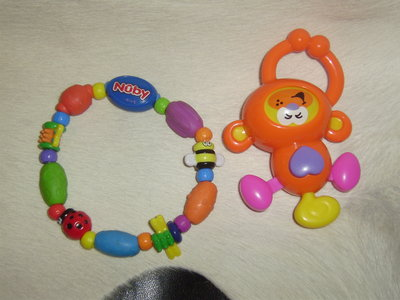 фирменные качественные игрухи для самых маленьких
