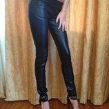 брюки черные с-м имитация под кож