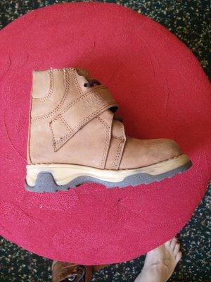 Красивенькие коричневые кожаные ботиночки для маленького стиляги.